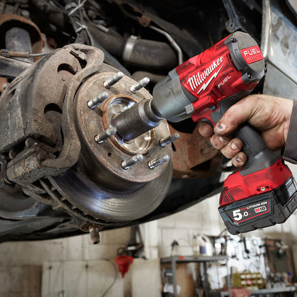 "Milwaukee Power Tools, , Milwaukee M18FHIWF12-502X 'FUEL' 1/2"" Friction Ring Impact Wrench"