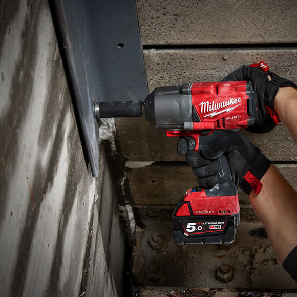 "Milwaukee Power Tools, , Milwaukee M18ONEFHIWF34-502X 'ONEKEY' 3/4"" Friction Ring Impact Wrench"